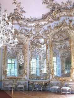 Francois Cuvilliers, Hall of Mirrors, Amalienburg, Nymphenburg Palace rococo Architecture Baroque, Beautiful Architecture, Beautiful Buildings, Architecture Details, Beautiful Places, Ancient Greek Architecture, Modern Architecture, Palace Interior, Interior And Exterior