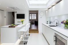 A kitchen may possibly be practical, add value to the house, be aesthetically pleasing, and fit in with the remainder of your home after Organize your kitchen. It must offer an well-organized worki… Small Kitchen Renovations, Small Kitchen Layouts, White Gloss Kitchen, Neutral Kitchen, Kitchen Cabinet Styles, Custom Kitchen Cabinets, Kitchen Styling, Kitchen Decor, Kitchen Ideas
