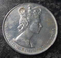 VINTAGE 1953 QUEEN ELIZABETH CORONATION MEDAL / MEDALLION Queen Elizabeth, Badges, Military, Ebay, Vintage, Badge, Vintage Comics, Military Man, Army
