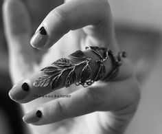 vine and leaves ring, art deco style