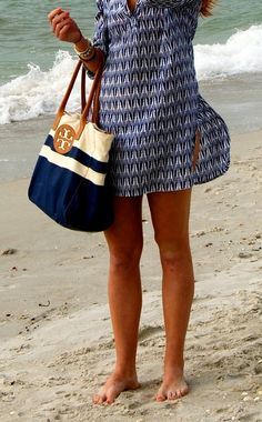beach cover up and tote
