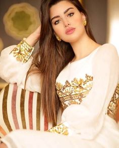 Transform Your Looks With This Advice Beautiful Muslim Women, Beautiful Hijab, Most Beautiful Indian Actress, Beautiful Actresses, Gorgeous Women, Arabian Beauty Women, Indian Beauty, Most Beautiful Faces, Brunette Beauty