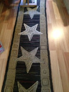 Star Runner by Jayne Hester - nice as a wool rug or hanging, or quilted runner for a table