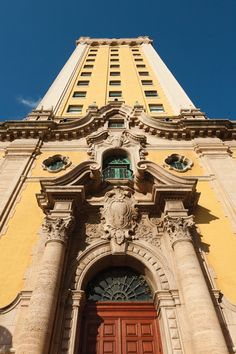 Tour 20 Architecturally Significant Buildings in Downtown Miami 🌆 Florida East Coast, Palms Hotel, 2nd Avenue, South Miami, Waterfront Restaurant, Downtown Miami, Hidden Places, Grand Staircase, Mafia
