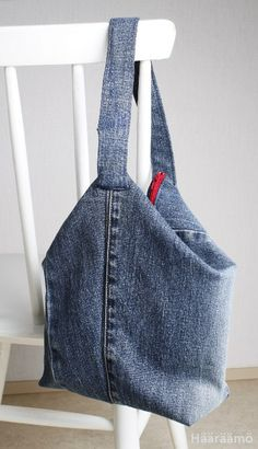 Ohje: Ompele kolmiulotteinen farkkulaukku Recycle Jeans, Reuse, Textiles, Sewing, Bags, Fashion, Backpack Purse, Purses, Moda