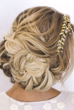 ombre wedding hairstyles via ihms / http://www.himisspuff.com/wedding-hairstyles-for-long-hair/5/