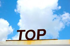austin // texas // burnet road // building toppers: top drawer thrift store sign      http://keepaustinstylish.com/local-shopping-guide/view-all/