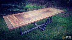 Stół fornirowany -  orzech włoski Wymiary 250x90 Konstrukcja ze stali szlifowanej i lakierowanej na bezbarwny mat. CENA: 5000 PLN