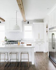 "Kate Marker Interiors on Instagram: ""Happy Monday...Orange juice and pastries are looking pretty yummy in this kitchen! #bestfriendclient #kitchen #katemarkerinteriors"""