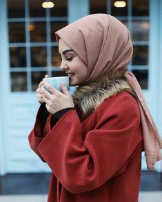 Love it Glamorous - Pemuja Wanita Hijab Style Dress, Hijab Chic, Hijab Outfit, Arab Girls Hijab, Muslim Girls, Hijabi Girl, Girl Hijab, Cute Girl Photo, Girl Photo Poses
