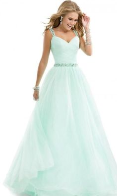 I would like to make my own dress design for people to wear for prom or an any day dress. Google: