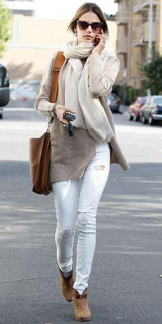 Alessandra Ambrosio Mixes Neutrals Like A Pro Mode Style, Style Me, Girl Fashion, Womens Fashion, Fashion Trends, Image Fashion, Alessandra Ambrosio, Estilo Fashion, Who What Wear