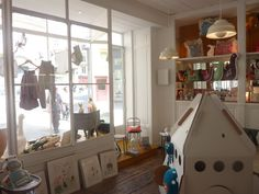 plein les mirettes egmont toys kids boutique store display visual merchandising rabbit lamp