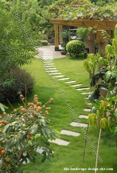 Картинки по запросу front entrance landscaping with stepping stones
