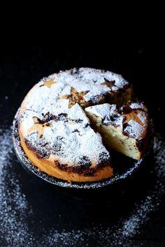 izy's chocOlate chip amaretto torte