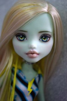 OOAK Monster High Frankie  custom  Repaint by Hyangie