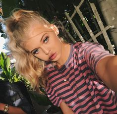 Top 10 Musically Songs of JULY - Musical. Gray Instagram, Loren Gray, Grey Outfit, Beautiful Lips, Poses, Hot Blondes, Celebs, Celebrities, Pretty People