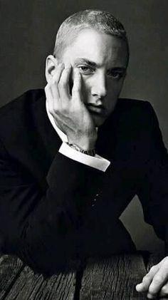 Listen to every Eminem track @ Iomoio Marshall Eminem, Eminem Wallpapers, Eminem Rap, Eminem Songs, Eminem Music, Eminem Photos, Arte Hip Hop, The Real Slim Shady, Eminem Slim Shady