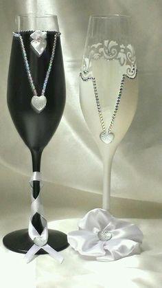 Bridal Wine Glasses, Wedding Glasses, Champagne Glasses, Decorated Wine Glasses, Painted Wine Glasses, Glitter Glasses, Wine Glass Crafts, Wedding Flutes, Vase Crafts