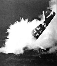 A photographer captured a dramatic ending of a BF-109