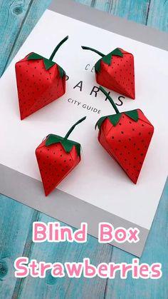 Paper Blinds, Diy Blinds, Diy Paper, Paper Art, Paper Crafts, Preschool Christmas Crafts, Fruit Illustration, Multiplication For Kids, Candy Making