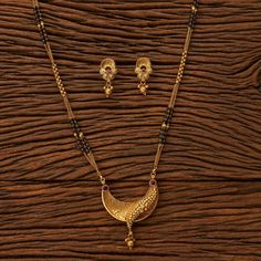Gold Bangles Design, Gold Jewellery Design, Bridal Jewelry Sets, Bridal Necklace, Indians Game, Real Gold Chains, Gold Mangalsutra Designs, Mens Gold Jewelry, Gold Chain With Pendant