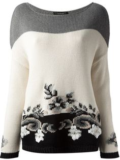 White, grey and black cotton floral intarsia knit sweater from Twin-Set Simona Barbieri featuring a boat neck, long sleeves and a straight hem. Intarsia Knitting, Knitting Yarn, Hand Knitting, Knit Fashion, Knitting Designs, Mode Inspiration, Pulls, Knitwear, Knitting Patterns