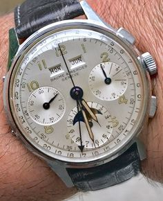 REPOST!!!  New entry this Awesome Baume&mercier from the 40's valjoux 88 triple calendar. #instagram #instawatch #instavideo #wristporn #patina #vintage #baume&mercier#calendar #chronograph #instagramers #instabeauty #1950s #  Photo Credit: Instagram ID @rare_watches