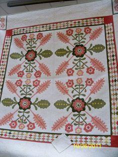 Sue Nickels - http://nonniequiltingdreams.files.wordpress.com/2011/10/2.jpg