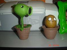 plants vs zombies WHO WILL WIN?????????????