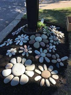 DIY garden decor ideas for a budget backyard . DIY garden decor ideas for a budget back yard . Garden Yard Ideas, Garden Crafts, Diy Garden Decor, Garden Projects, Garden Paths, Diy Projects, Garden Decorations, Rocks Garden, Cute Garden Ideas