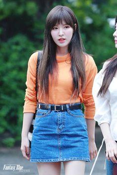 Seulgi, Kpop Fashion, Fashion Beauty, Fashion Outfits, Kpop Girl Groups, Kpop Girls, Red Velvet Photoshoot, Wendy Red Velvet, Velvet Fashion