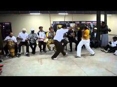 jogo:  Mestres Marrom & Cabello; Capoeira Angola N´golo ia Muanda em São Paulo Julho 2013. [7min]