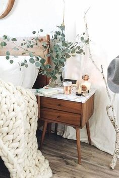 You have a nice living room but no room? And if you partition your living room to create this room you dream? How to create two separate spaces in a room without heavy work? Bedroom Inspo, Home Bedroom, Bedroom Ideas, Bedroom Designs, Budget Bedroom, Bedroom Rustic, West Elm Bedroom, Side Tables Bedroom, Bedroom Vintage