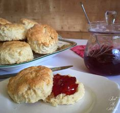 Easy 3 Ingredient Scones – Nur eine Mutter Source by lyndacushing Related posts: No related posts. Chocolate Mug Cakes, Chocolate Chip Recipes, Fudge Recipes, Easy Cake Recipes, Baking Recipes, Dessert Recipes, Scone Recipes, Bread Recipes, Desserts