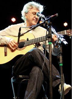 Caetano Veloso, cantor da música popular brasileira.