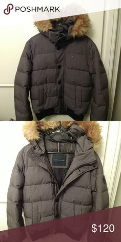 Tommy Hilfiger Men's Puffer Winter Coat Size Medium Men's Tommy Hilfiger short puffer coat with hood. In like new condition Tommy Hilfiger Jackets & Coats Puffers
