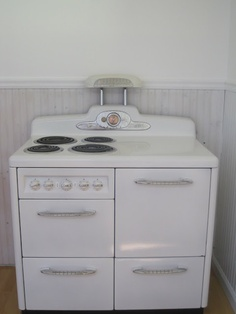 Similar to my Great Grandpa's stove in our kitchen