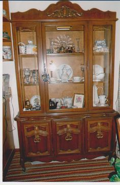 Attrayant China Hutch,Cupboard,Display Case In Homeplaceu0027s Garage Sale Lake View, IA