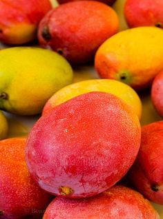 Wish I had a box of these right now... I looooove mangos