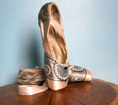Dyed pointe shoes, via kite flyer art on etsy