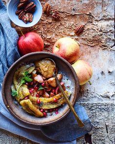 HEALTHY + DELICIOUS COCONUT FRIED BANANA CINNAMON APPLES + OATS. Breakfast recipe here: http://www.foodbymaria.com/coconut-fried-banana-apple-oats/