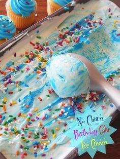 Easy no-churn Birthday Cake Ice Cream - Süßes - Eis Ice Cream Treats, Ice Cream Desserts, Frozen Desserts, Ice Cream Recipes, Frozen Treats, Ice Cream Birthday Cake, Ice Cream Party, Frozen Birthday, Cake Birthday