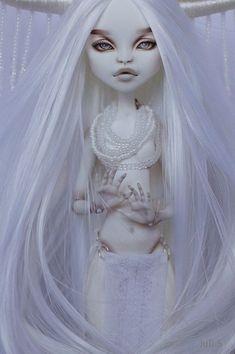 OOAK Monster High Catrine de Mew #OOAKbyJuliSidorova #JuliSidorova…