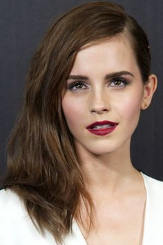 Emma Watson's Latest Hairstyle Features Visible Bobby Pins - Beautyeditor
