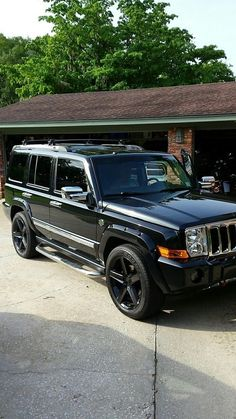 Explore The Best Jeep Photos Lineup That Will Blow Your Mind. Experience The Most Feature Loaded Best Hot Jeeps Of All Times. Jeep Patriot Lifted, Jeep Commander Lifted, Lifted Jeeps, Jeep Commander Accessories, Jeep Accessories, Jeep Cherokee Rims, All Black Jeep, 2010 Jeep Liberty, Srt8 Jeep