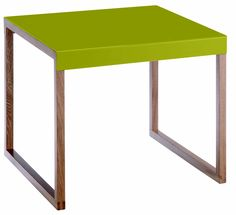 Kilo bord. Fåes i flere farger. Dimensjoner: L42 x H35 x D42 cm. Kr. 320,-