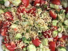 Tabulé, vagyis zöldséges bulgur saláta Cobb Salad, Vegan Recipes, Recipies, Health Fitness, Food And Drink, Diet, Bulgur, Recipes, Vegane Rezepte