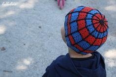 Crochet spiderman hat pic only. Creation based of this blanket http://stitchnfrog.blogspot.com/2009/07/superhero-dream-catcher-afghan.html