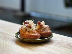 Overdoughs maple bacon buns